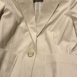 Briggs New York 10P Tan and white NWT